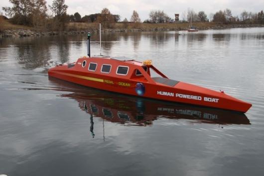 humanpoweredboat1