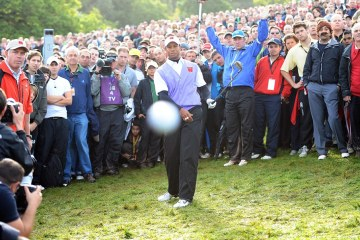 tiger_woods_camera_cigar