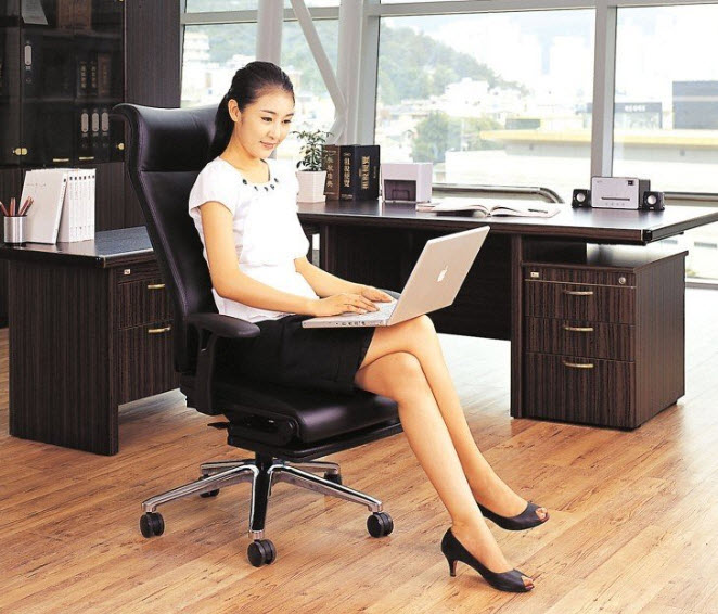 Strange Lay Flat Office Chair Can Turn Into A Functional Cot Theyellowbook Wood Chair Design Ideas Theyellowbookinfo