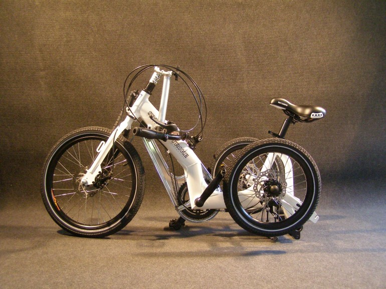 Swingtrike Is A Tilting Tricycle For Slow-Cornering Riders