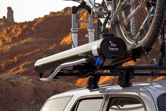 Road Shower Mounts On Roof Racks Delivers Hot Water