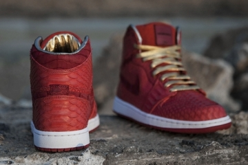 python-sueded-crocodile-jordan-1-custom-shoes-2