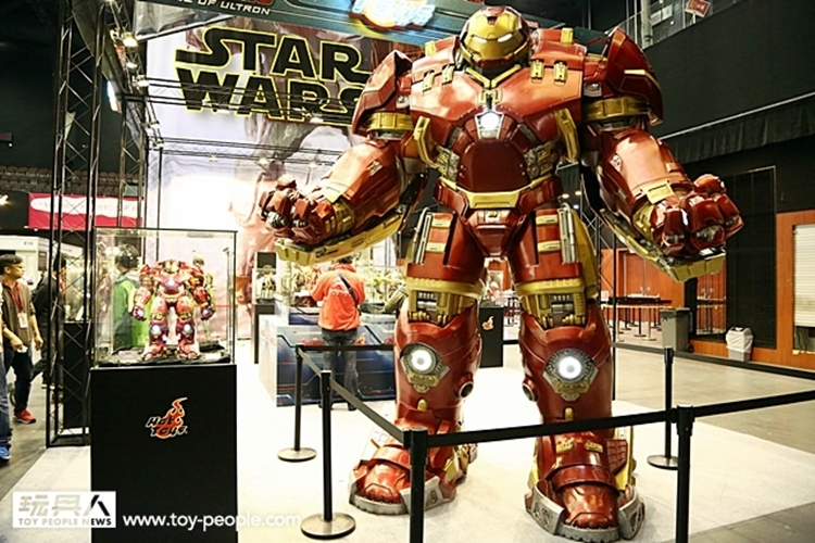hot-toys-iron-man-hulkbuster-4