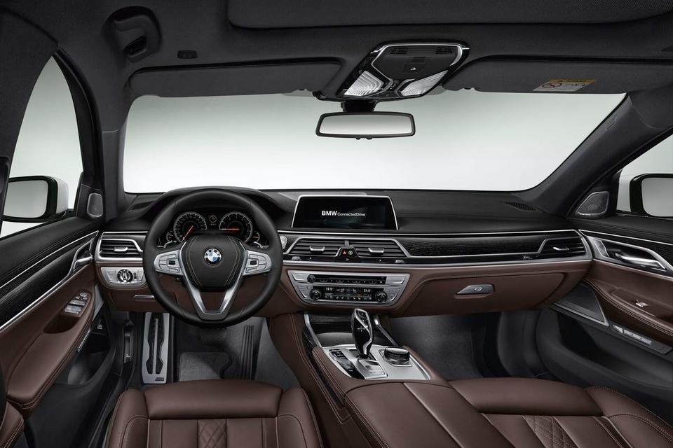 2016-BMW-7-Series-5