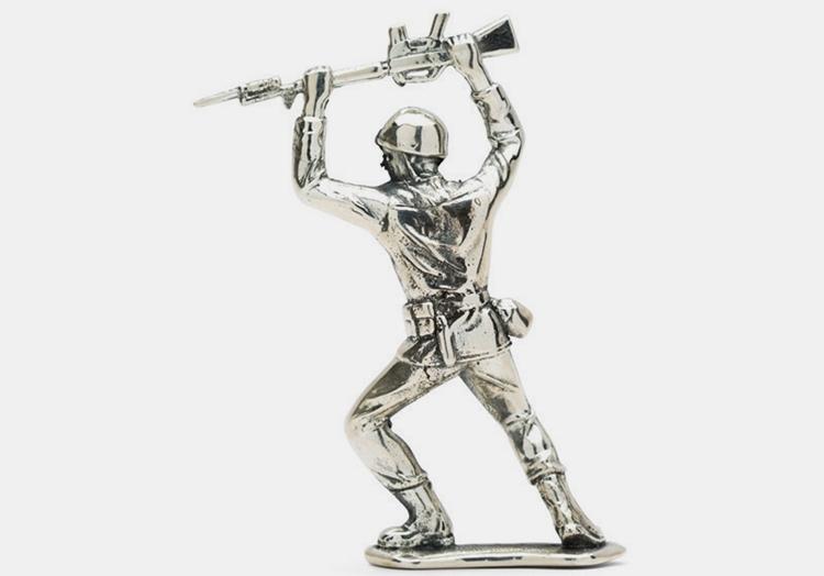 silver-army-men-3