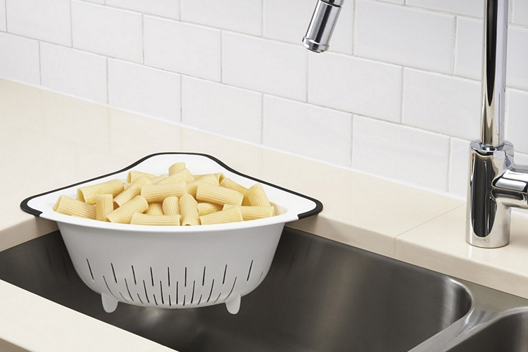 oxo-over-the-corner-colander-3