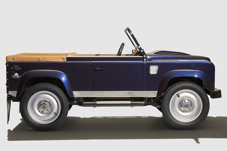 land-rover-defender-pedal-car-4