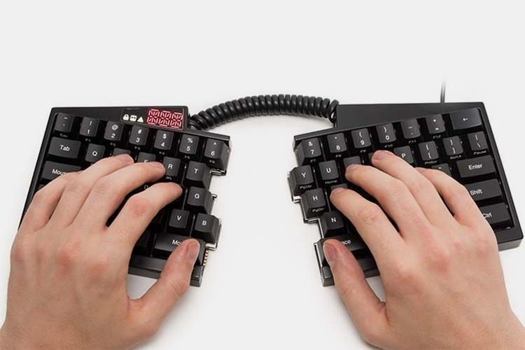 ultimate-hacking-keyboard-1