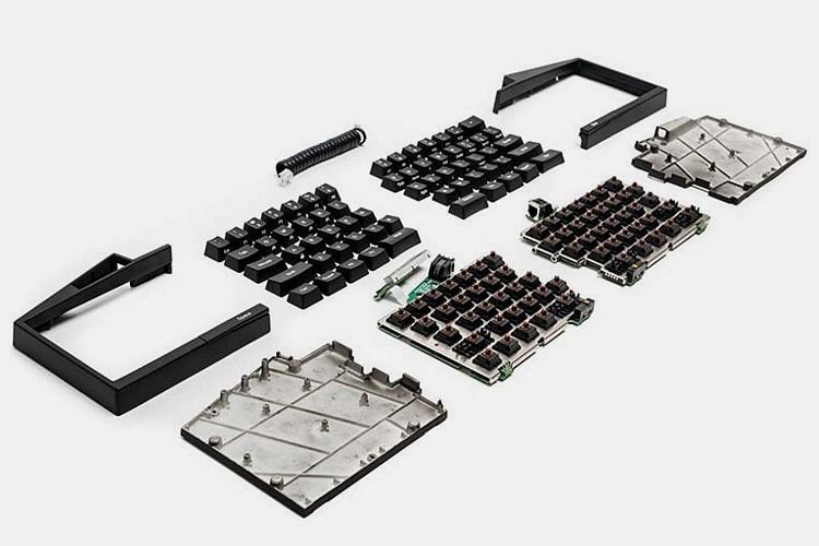ultimate-hacking-keyboard-3