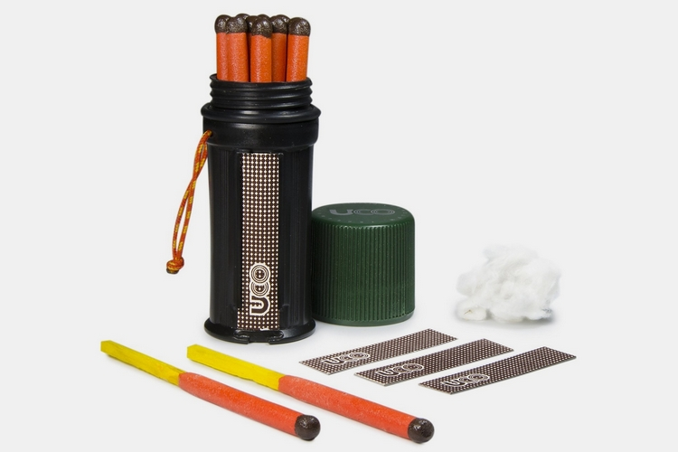 2 UCO Titan Stormproof Match Kit