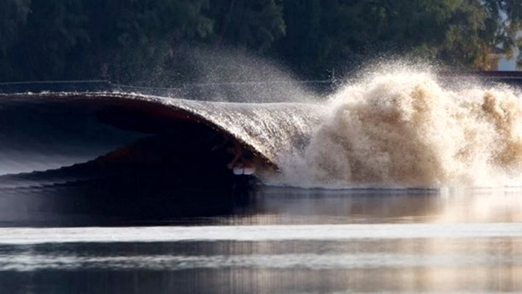 kelly-slater-man-made-wave-1