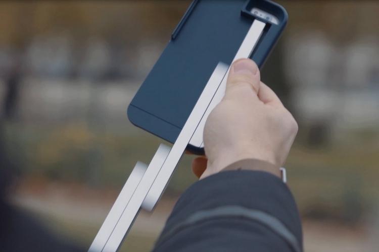stikbox-smartphone-case-selfie-stick-2