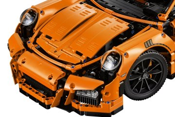 LEGO-Technic-42056-Porsche-911-GT3-RS-front-hood-headlights