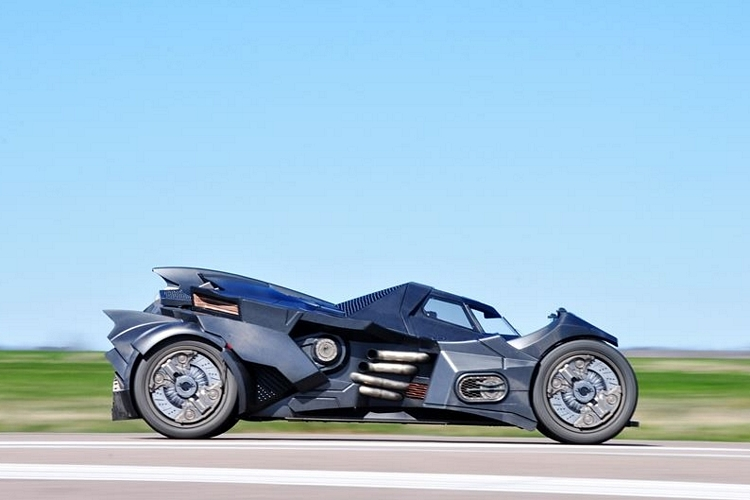caresto-arkham-car-3
