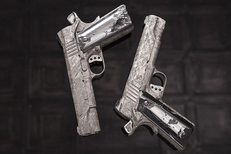cabot-guns-big-bang-pistol-set-2