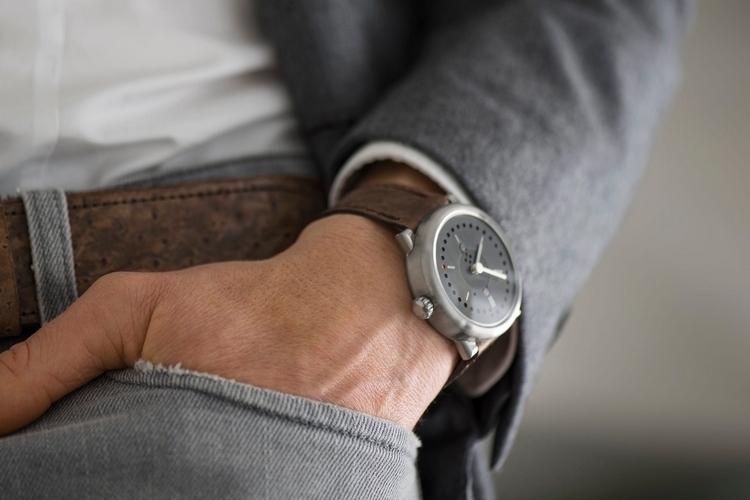 ochs-und-junior-perpetual-calendar-watch-3