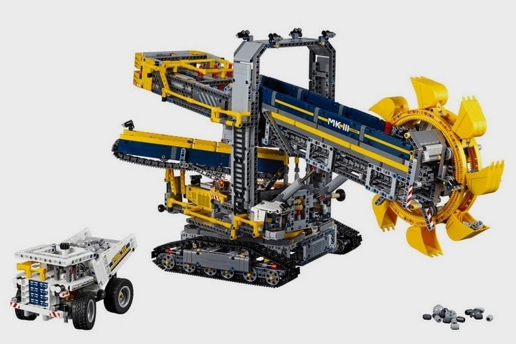LEGO-technic-bucket-wheel-excavator-1