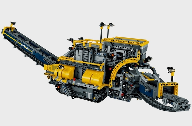 LEGO-technic-bucket-wheel-excavator-2