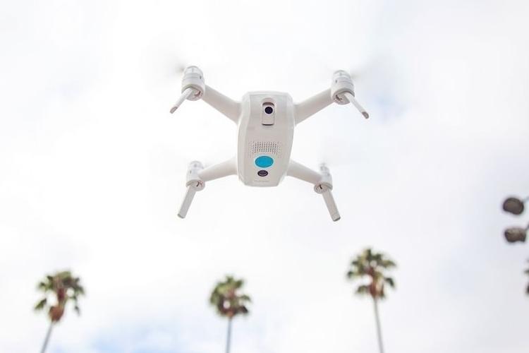 yuneec-breeze-selfie-drone-1