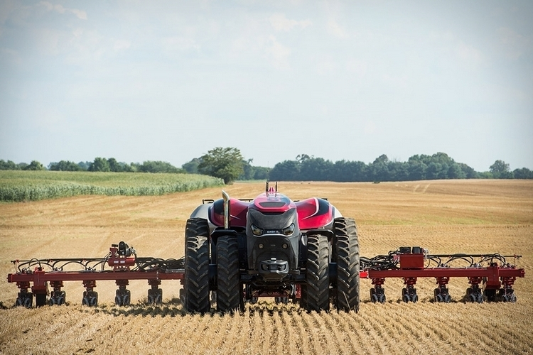 cnh-magnum-autonomous-tractor-2