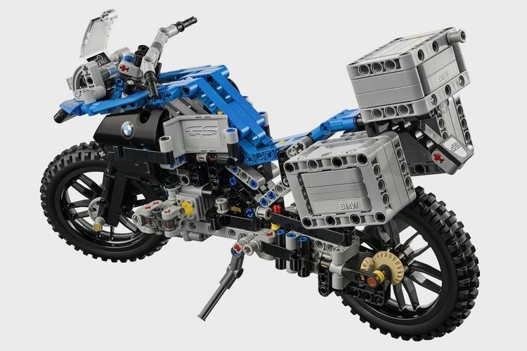 lego-technic-bmw-r-1200-gs-2