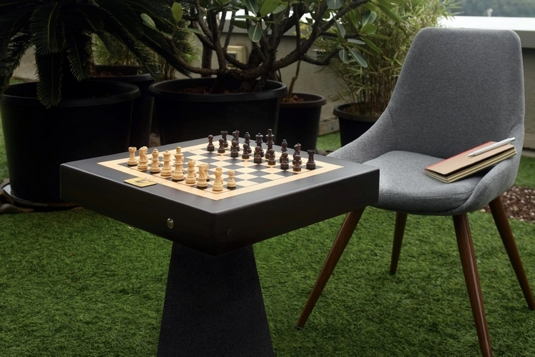 square-off-autonomous-chess-board-2