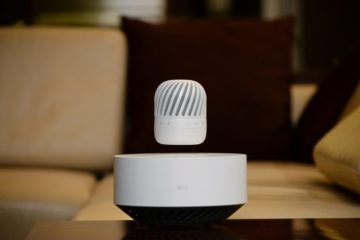 lg-pj9-floating-speaker-1
