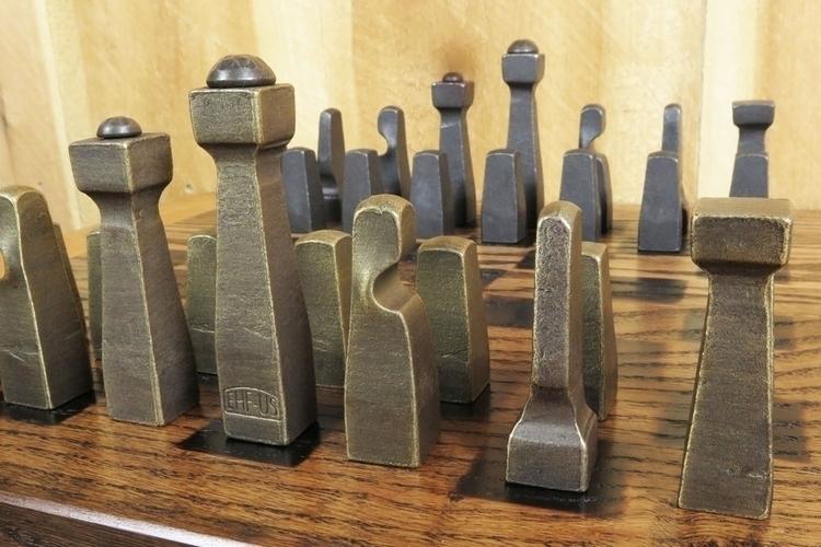 blacksmith-chess-set-2