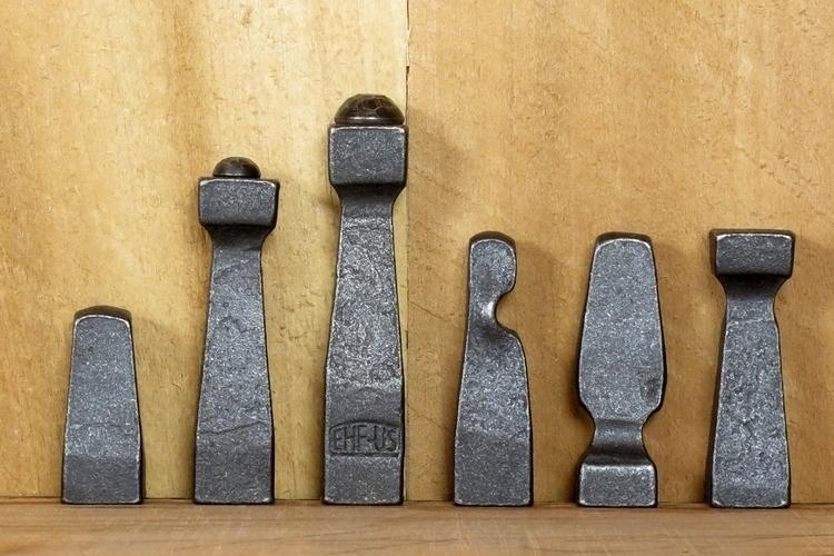 blacksmith-chess-set-3