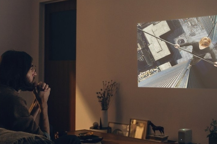 sony-lspx-p1-short-throw-projector-3