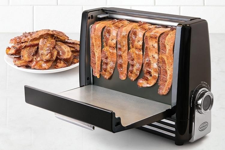 nostalgia-electrics-bacon-express-1
