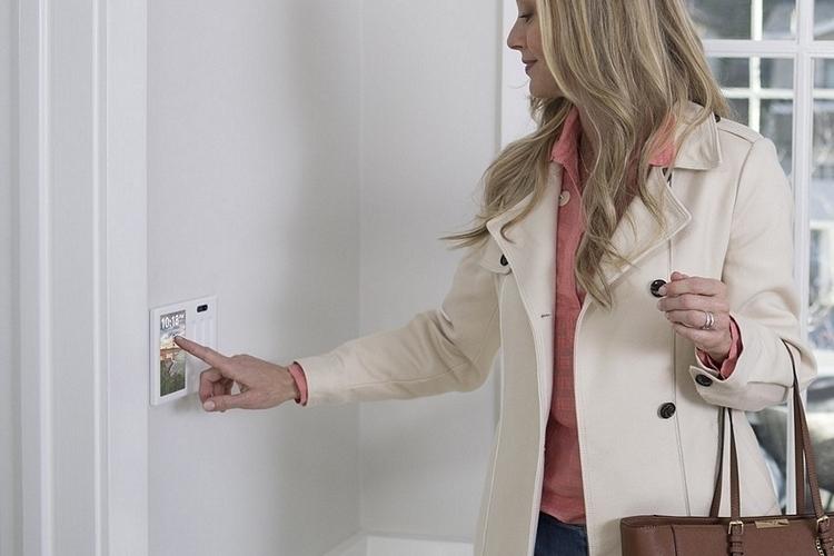 brilliant-smart-home-control-panel-2