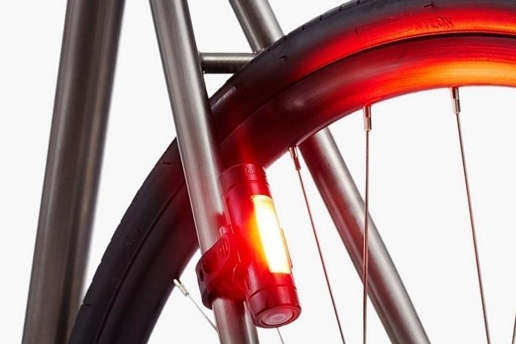 fabric-flr30-bicycle-brake-light-2