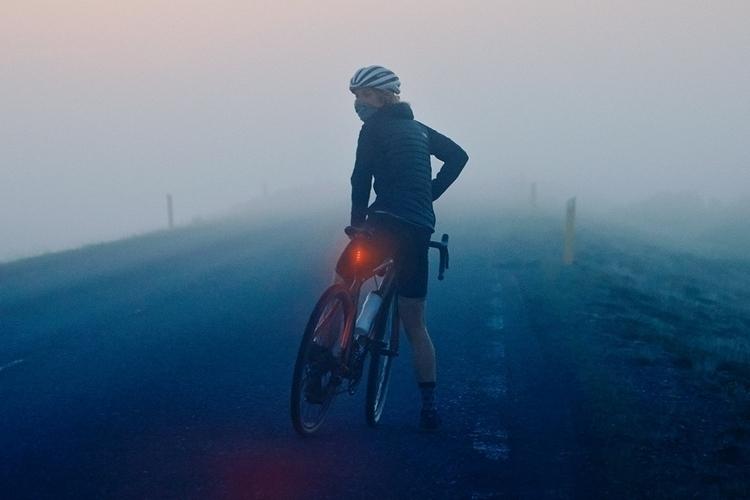 fabric-flr30-bicycle-brake-light-3