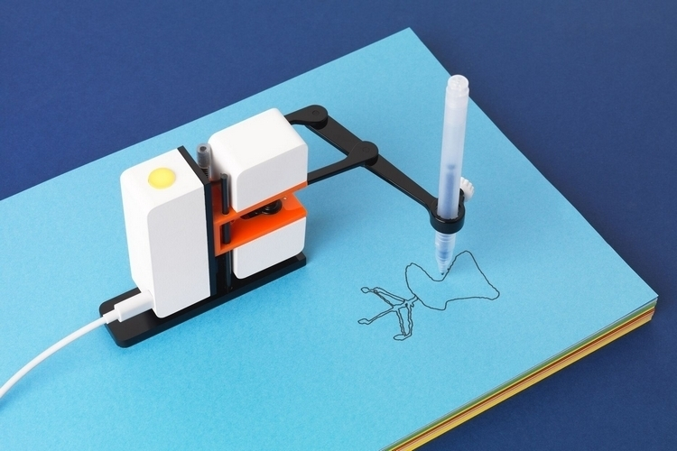 line-us-drawing-robot-arm-1