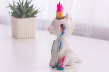 crying-unicorn-candle-2