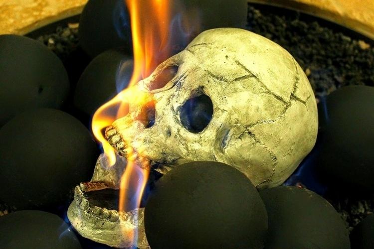 myard-skull-shaped-logs-2