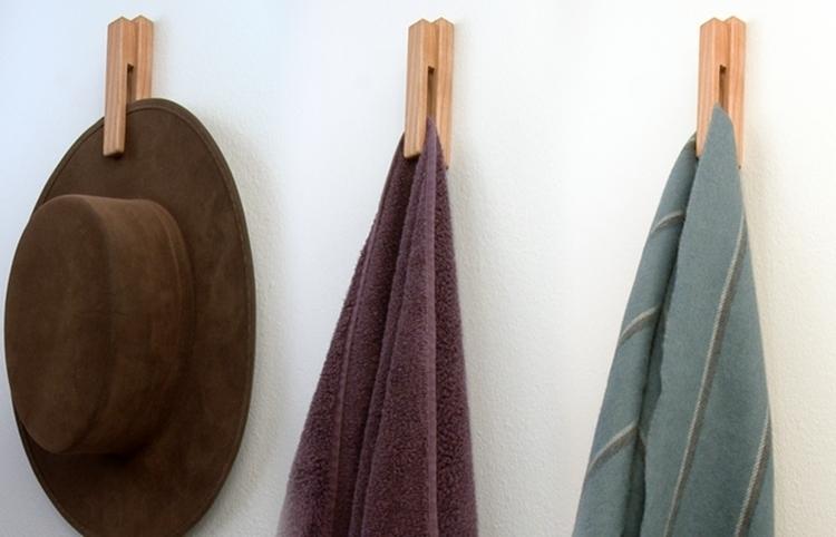 ruggy-towel-hanger-3