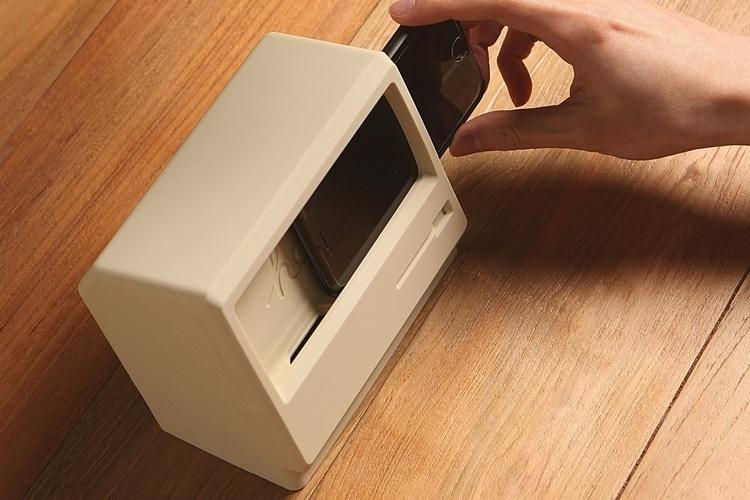 elago-m4-vintage-iphone-stand-2