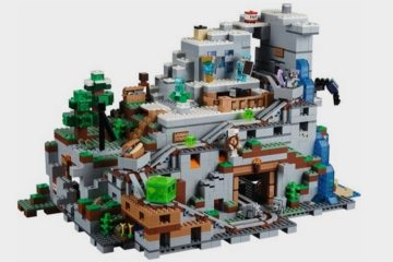 LEGO-minecraft-gigantic-mountain-cave-set-1