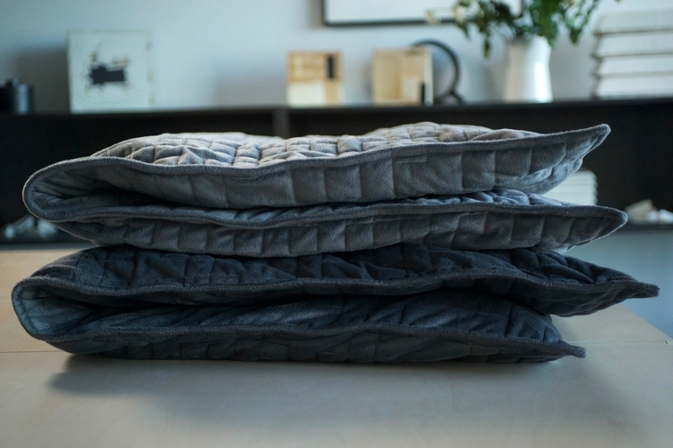 gravity-weighted-blanket-1