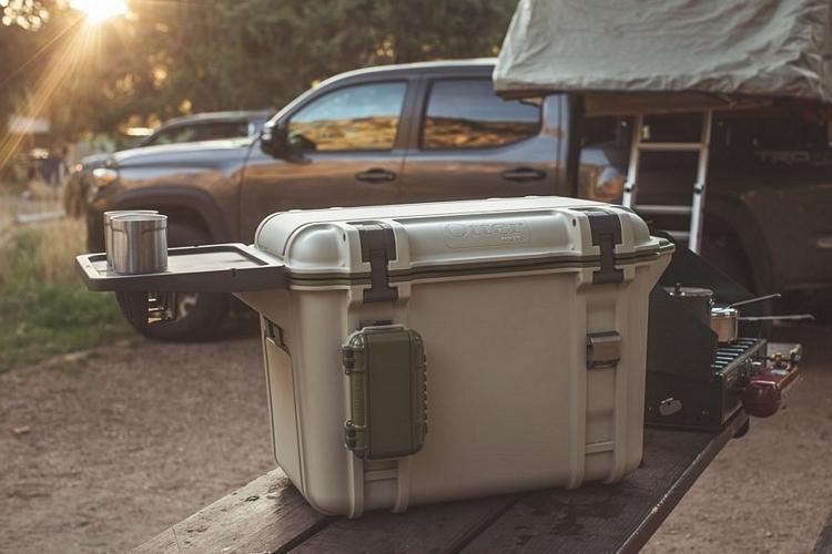 otterbox-venture-cooler-1