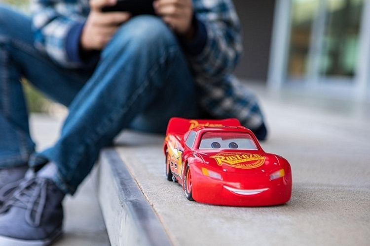sphero-ultimate-lightning-mcqueen-3