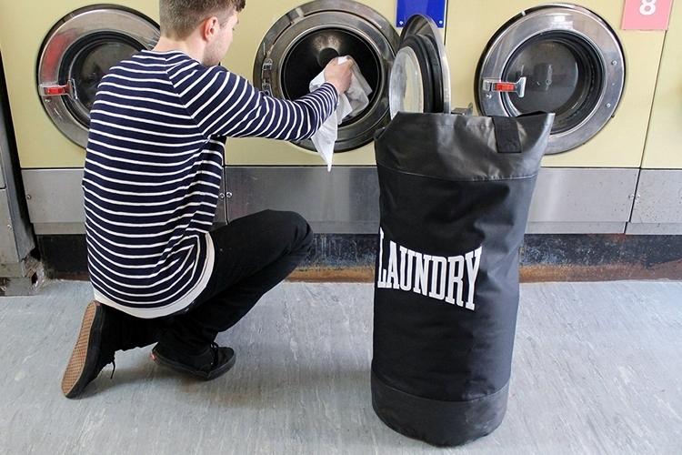 suck-uk-punch-bag-laundry-bag-3