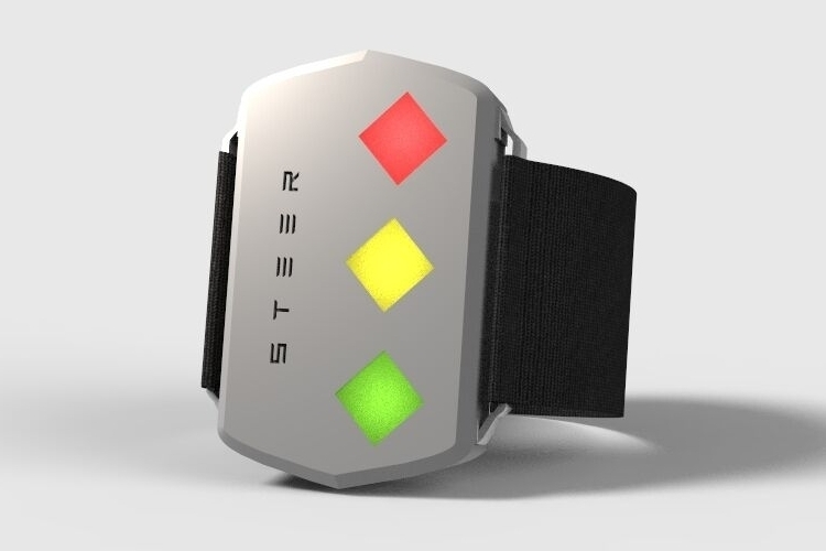 steer-wearable-driving-aid-1