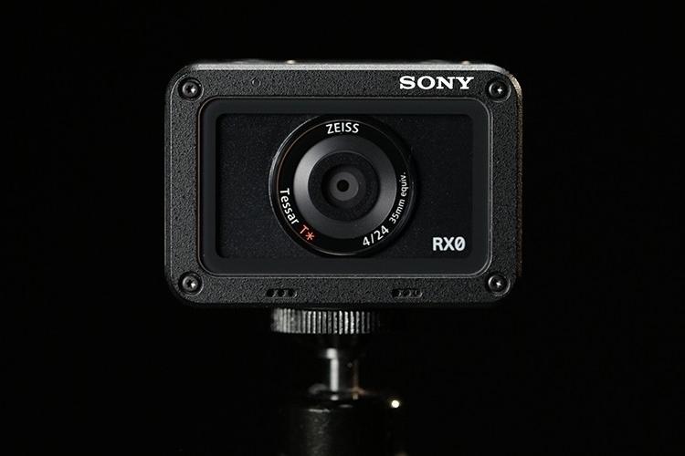 sony-cybershot-rx0-2