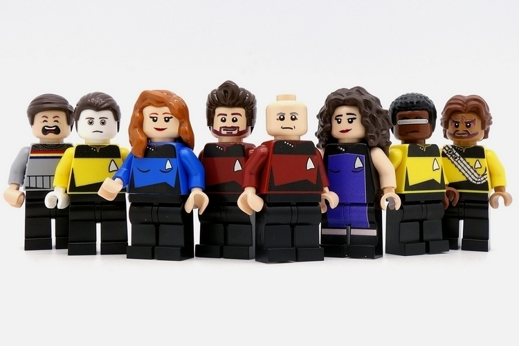 minifigsme-star-trek-new-generation-minifigs-1