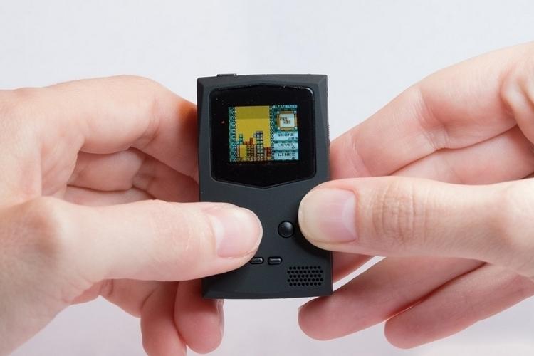 pocketsprite-keychain-game-console-3