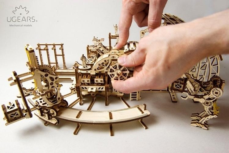 ugears-robot-factory-3