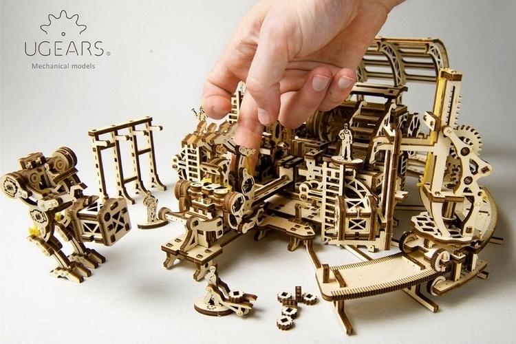 ugears-robot-factory-4